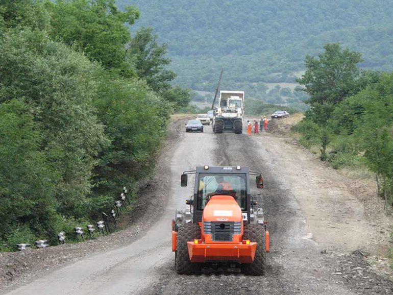 راهسازی مغانلی - اسماعیلی به طول 60 کیلومتر