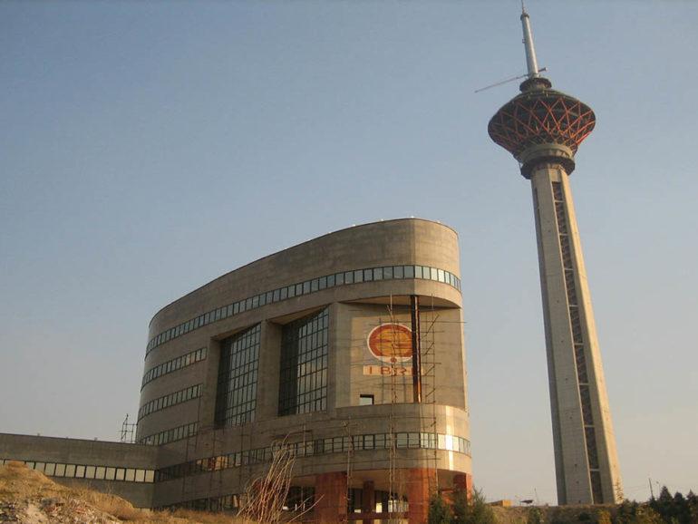 ساخت و اجرا ساختمان مرکزی پالایش خون ایران